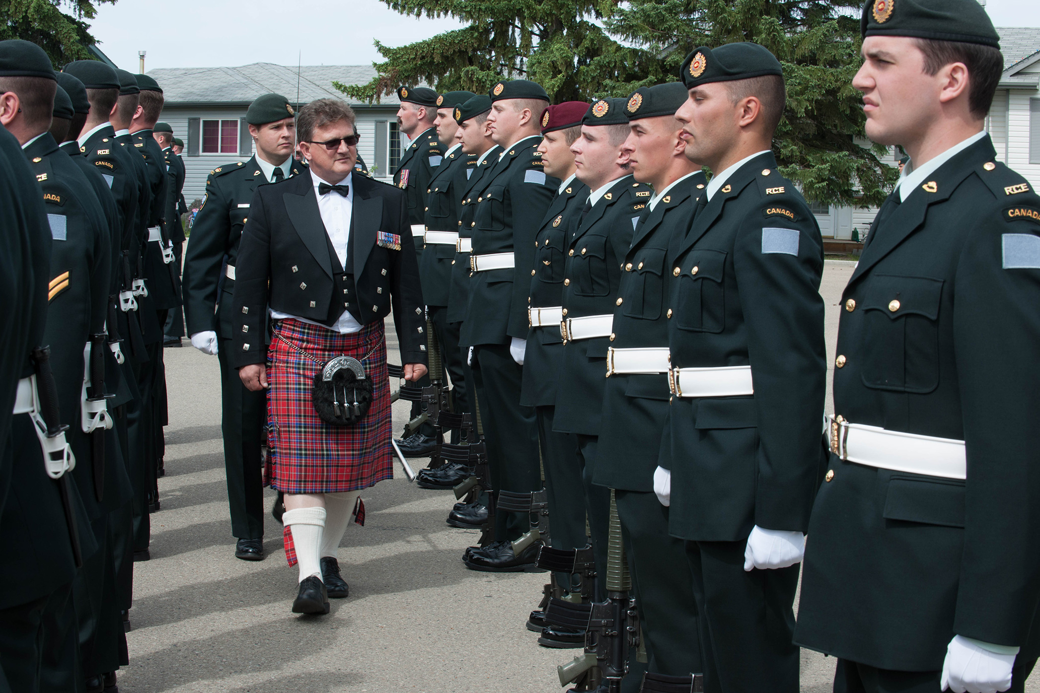 Mayor Randy Boyd  inspects the soldiers during the Freedom of the City