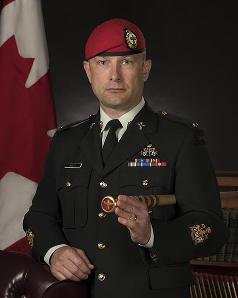 For his commitment to diversity and inclusion at the Canadian Forces Military Police Academy, Chief Warrant Officer David Ridley received the Liz Hoffman Memorial Commendation. Photo: Aviator (Avr) Alevtina Ostanin, Borden Base Imagery. © 2019 DND-MDN Canada.